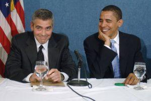 オバマ大統領と会議に出席中 典拠: glamourmagazine.co.uk