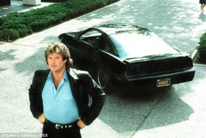 主人公:マイケル・ナイトと、喋る車キット。 典拠: Daily Mail