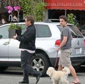 そんな事より、ジェームズ・スペイダーがいつも連れてるモコモコの犬が気になる。 典拠: zlFBoards