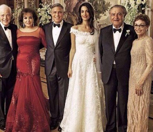 クルーニー家とアラムディン家の家族写真 典拠: pinterest.com